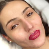 Lip bluch